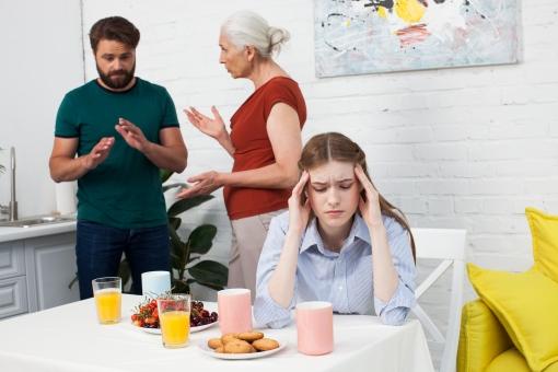 認知症の母に悩む嫁